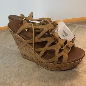 New with tags wedges size 8